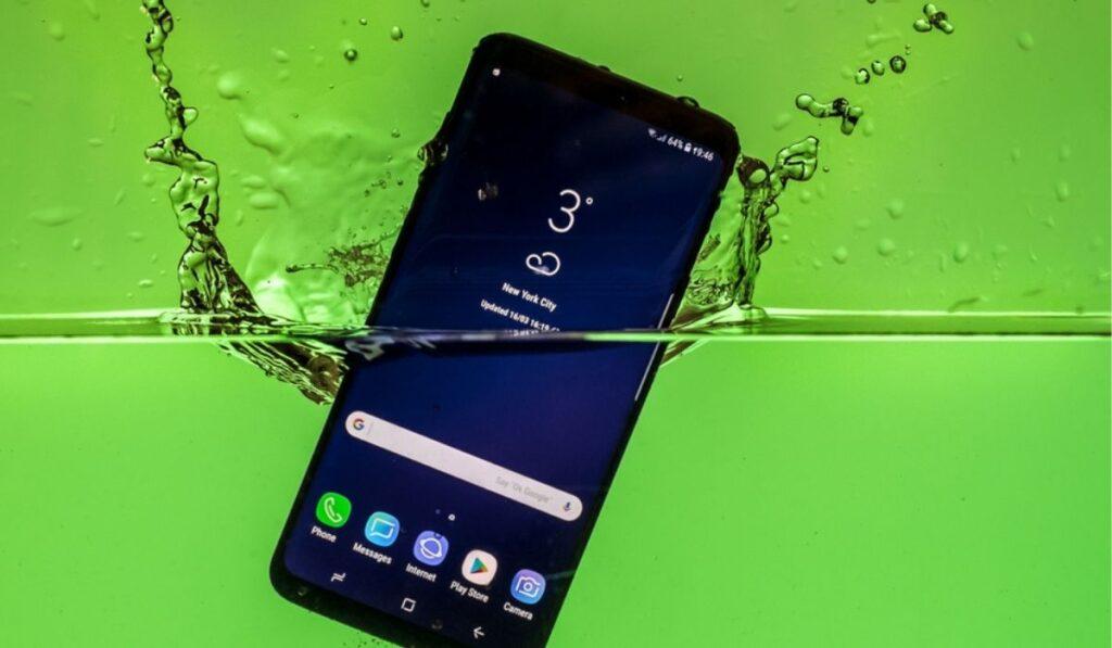 Samsung Glaxy S8 Water Test