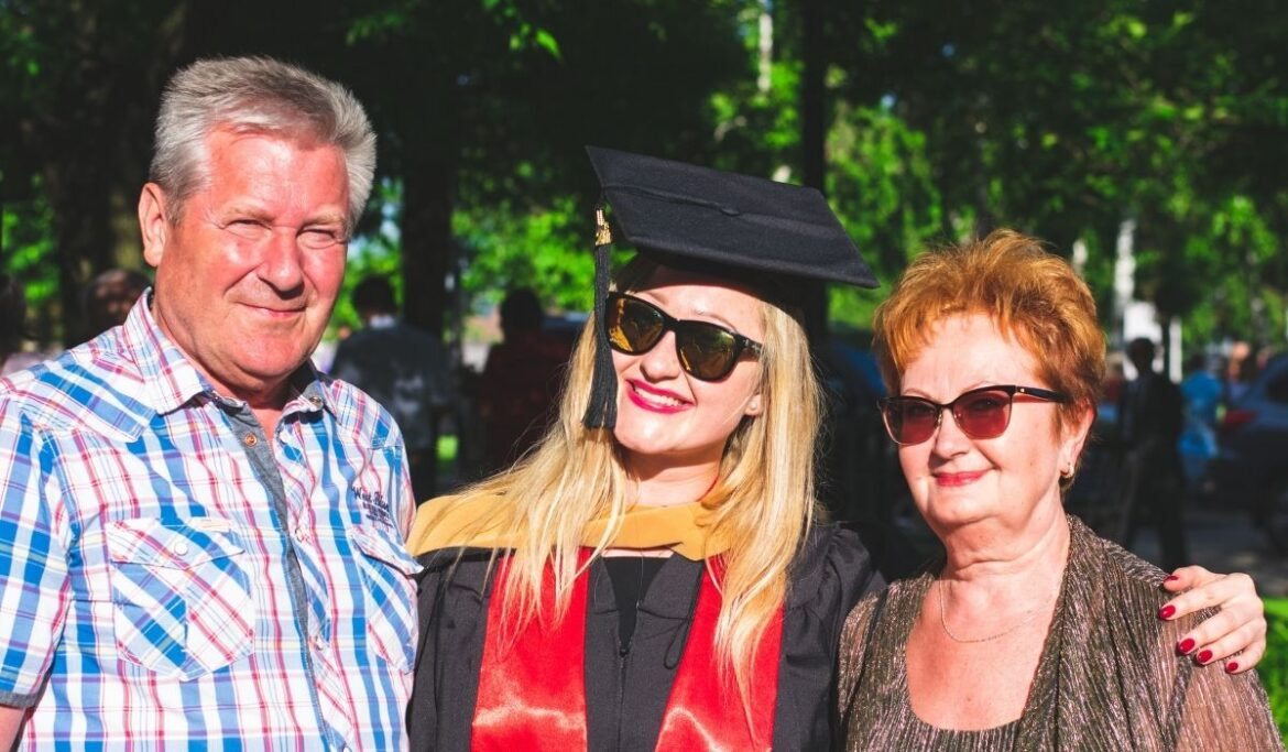 Make Your Daughter's Graduation Day Memorable For Her With The Help Of These 8 Ideas