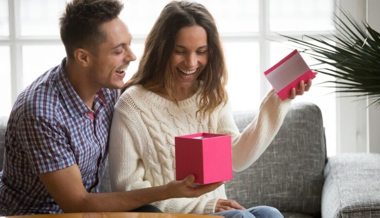Choose a best gift for your wife